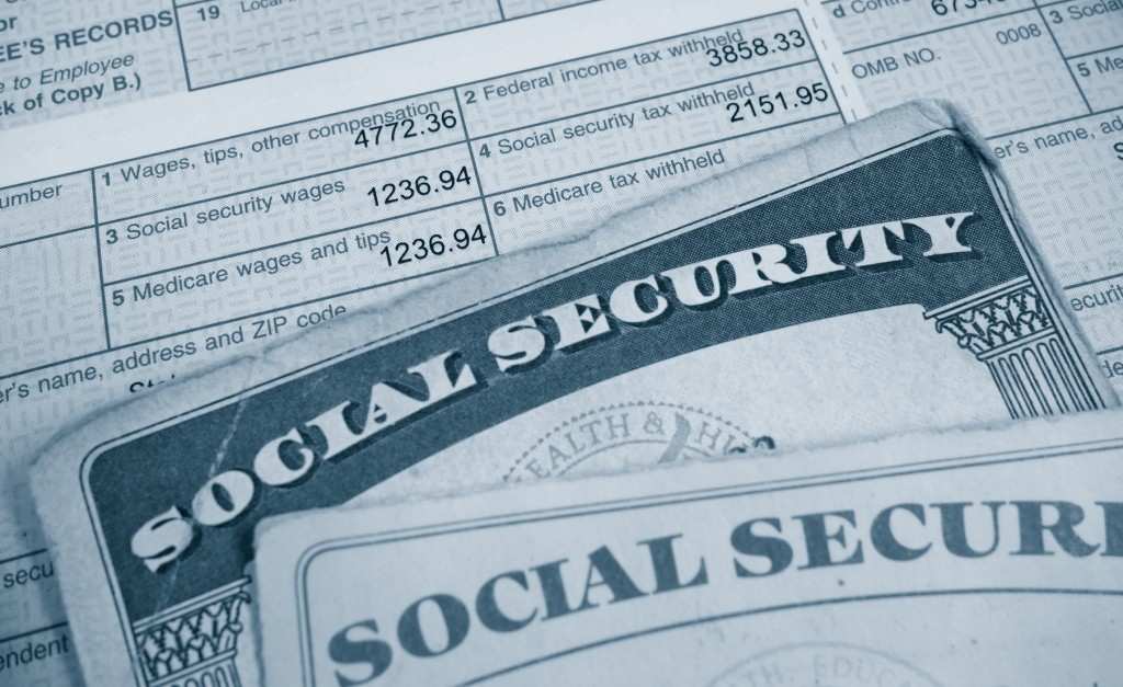 Social security cards and a form
